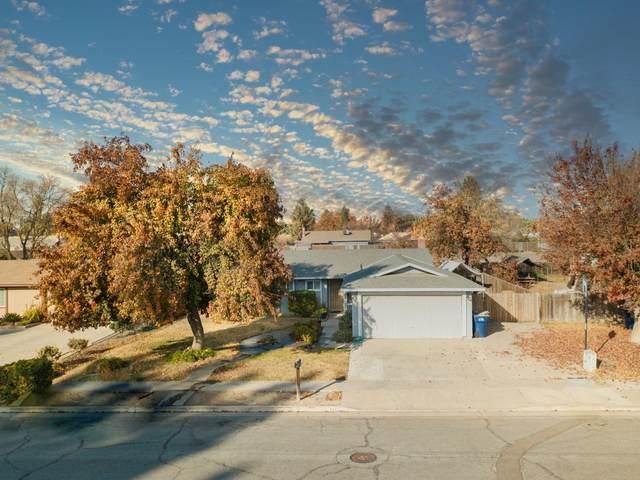 1440 E Aspen Avenue, Tulare, CA 93274 (#208369) :: The Jillian Bos Team