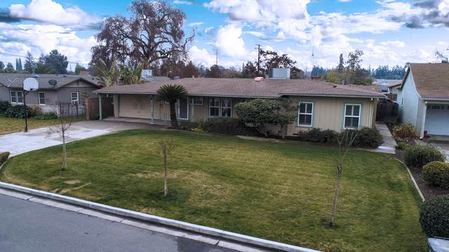 131 W Lynn Avenue, Tulare, CA 93274 (#208593) :: The Jillian Bos Team