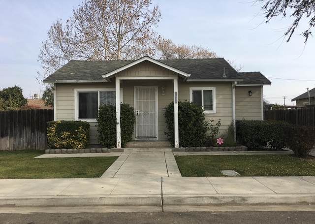 1040 S Cyrier Avenue, Reedley, CA 93654 (#208666) :: The Jillian Bos Team