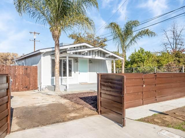 3117 E Thomas Avenue, Fresno, CA 93702 (#208689) :: The Jillian Bos Team