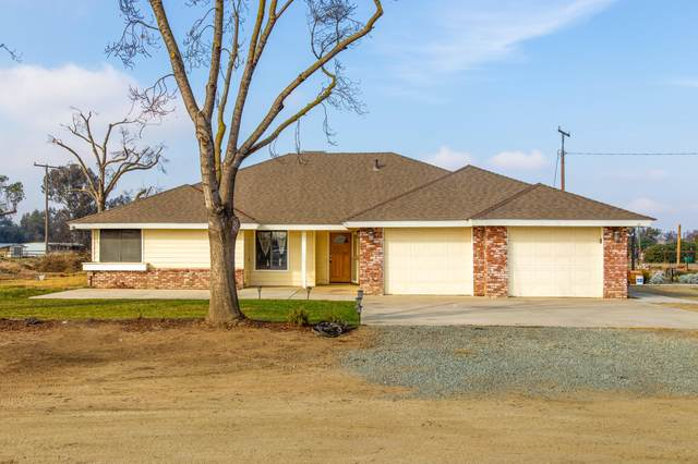 2252 W Northgrand Avenue, Porterville, CA 93257 (#208707) :: The Jillian Bos Team