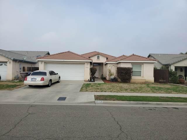 1922 Cabrillo Avenue, Tulare, CA 93274 (#208726) :: The Jillian Bos Team