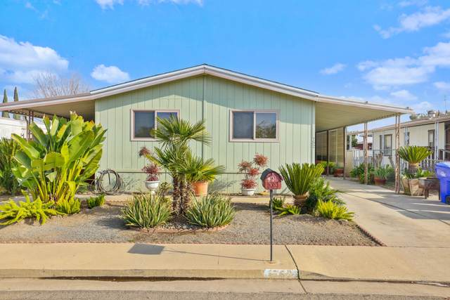 752 S Rose Avenue, Farmersville, CA 93223 (#208804) :: The Jillian Bos Team