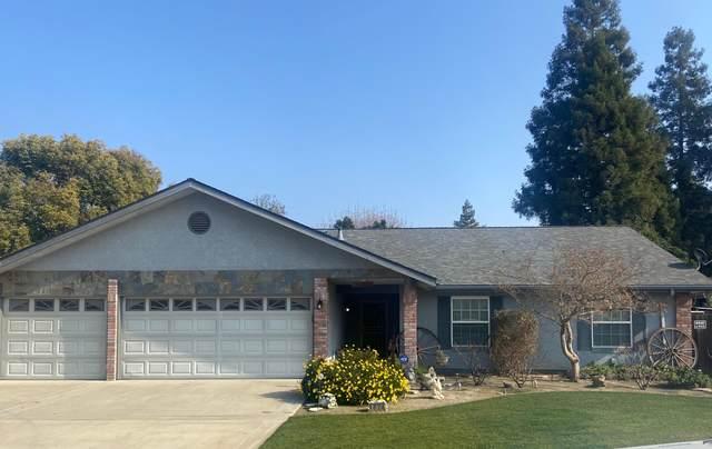 1824 S Bradley Street, Visalia, CA 93292 (#208824) :: The Jillian Bos Team