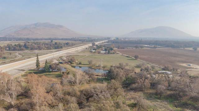 17601 E Kings Canyon Road, Sanger, CA 93657 (#208832) :: Robyn Icenhower & Associates
