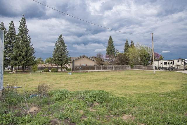 12770 Avenue 320, Visalia, CA 93291 (#208873) :: Robyn Icenhower & Associates