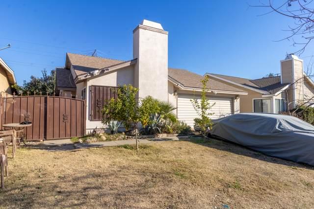 1104 N Manzanita Street, Visalia, CA 93292 (#208885) :: Robyn Icenhower & Associates