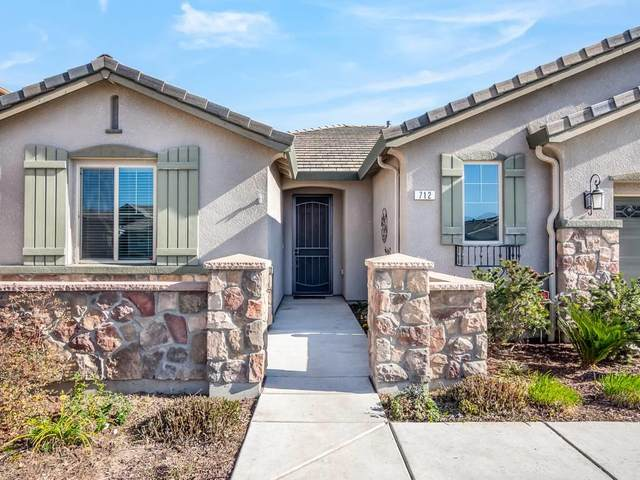712 Arlington Place, Lemoore, CA 93245 (#208908) :: The Jillian Bos Team
