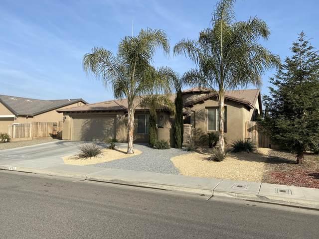896 N Red Oak Street, Porterville, CA 93257 (#208925) :: The Jillian Bos Team
