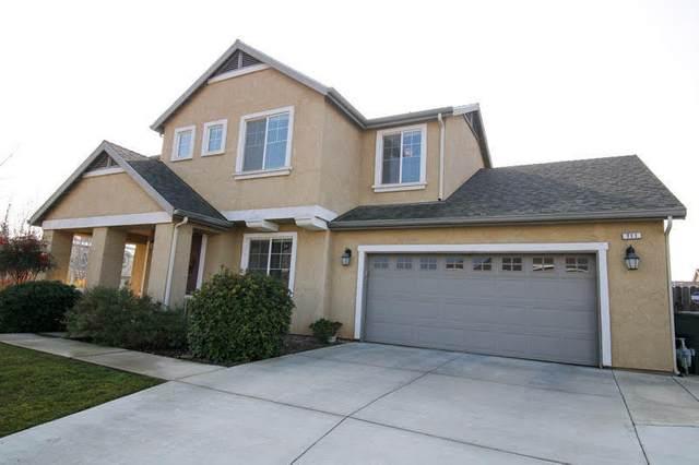 711 E Sierra Avenue, Reedley, CA 93654 (#208943) :: Robyn Icenhower & Associates