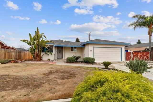2326 S Linda Vista Street, Visalia, CA 93277 (#208955) :: Robyn Icenhower & Associates