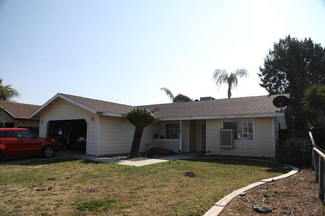 1245 W Westfield Avenue, Porterville, CA 93257 (#209192) :: The Jillian Bos Team