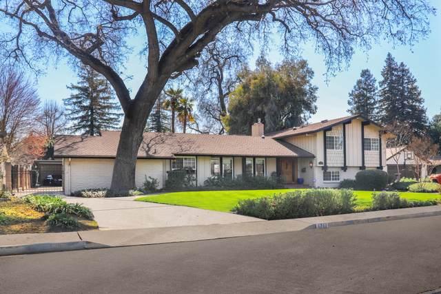 1711 W Beverly Drive, Visalia, CA 93277 (#209508) :: The Jillian Bos Team