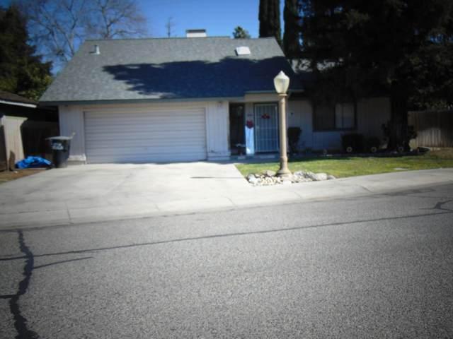 1720 S West Street, Visalia, CA 93277 (#209565) :: Martinez Team