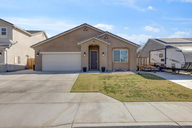 1364 Roundhouse Street, Tulare, CA 93274 (#209581) :: The Jillian Bos Team