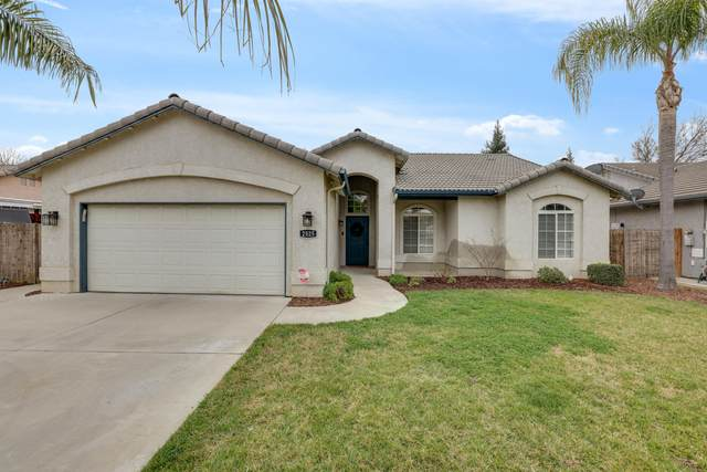 2525 W Clinton Avenue, Visalia, CA 93291 (#209598) :: The Jillian Bos Team