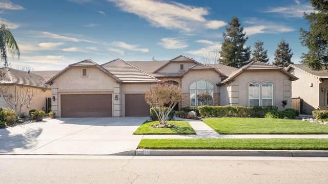 2011 N Cottonwood Street, Visalia, CA 93291 (#209686) :: The Jillian Bos Team