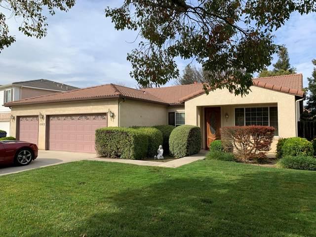 1522 Mirasson Avenue, Tulare, CA 93274 (#209881) :: The Jillian Bos Team