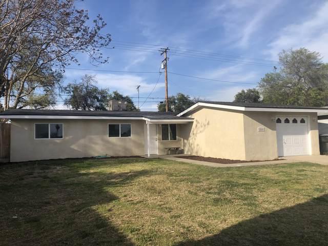 1548 E Cecil Avenue, Visalia, CA 93292 (#210005) :: The Jillian Bos Team