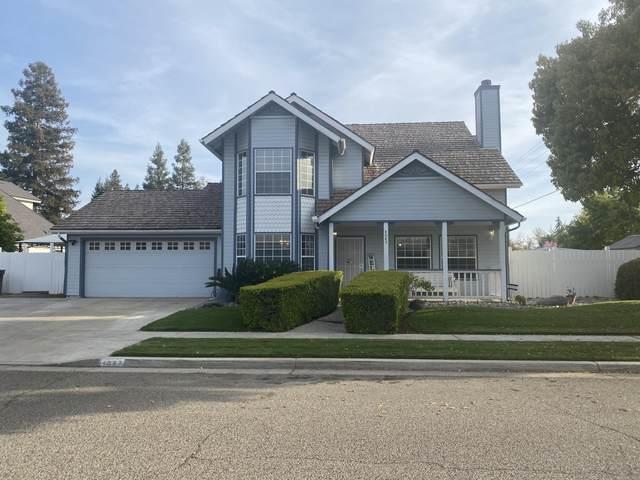 4047 W Douglas Avenue, Visalia, CA 93291 (#210014) :: Martinez Team