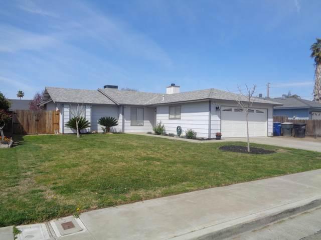 1546 9 1/4 Avenue, Hanford, CA 93230 (#210054) :: The Jillian Bos Team