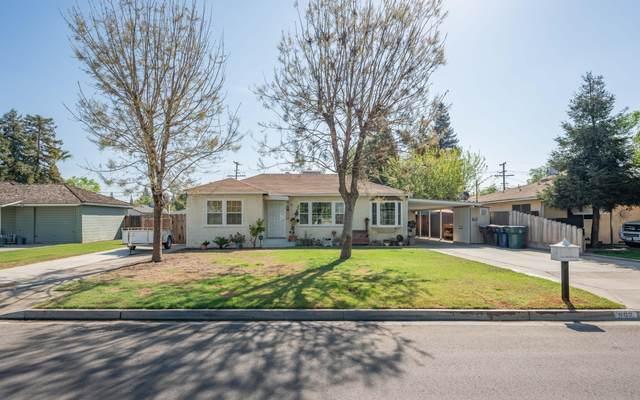 562 N Delwood Street, Tulare, CA 93274 (#210210) :: The Jillian Bos Team