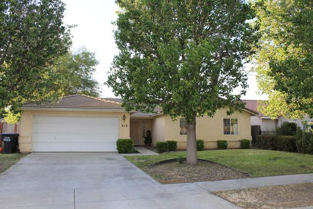 210 W Wren Avenue, Visalia, CA 93291 (#210221) :: The Jillian Bos Team