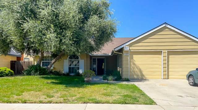 8049 N Sherman Avenue, Fresno, CA 93720 (#210269) :: The Jillian Bos Team