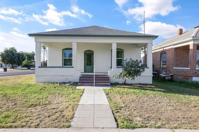 3 C Street, Lemoore, CA 93245 (#210278) :: The Jillian Bos Team