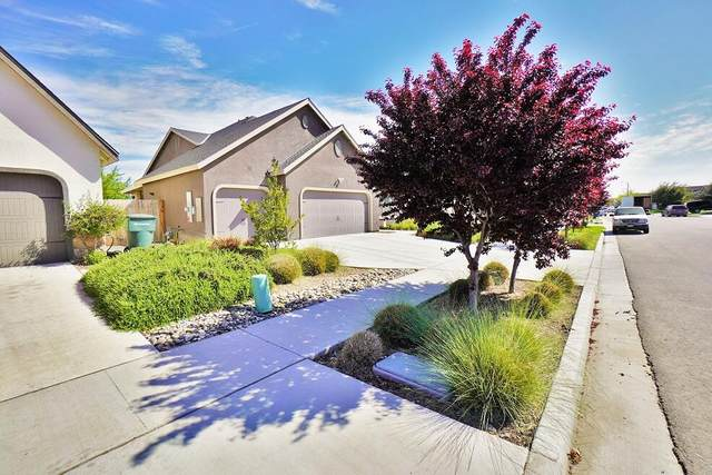 1978 W Hayward Street, Hanford, CA 93230 (#210281) :: The Jillian Bos Team