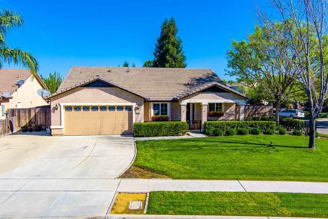 3944 E Oak Avenue, Visalia, CA 93292 (#210352) :: Martinez Team
