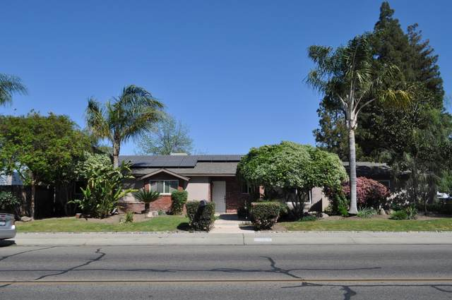 1734 S Conyer Street, Visalia, CA 93277 (#210355) :: Martinez Team