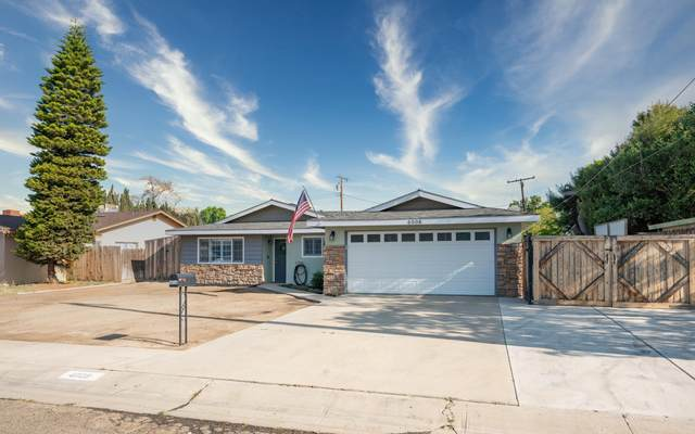 4008 W Cherry Avenue, Visalia, CA 93277 (#210356) :: Robyn Icenhower & Associates