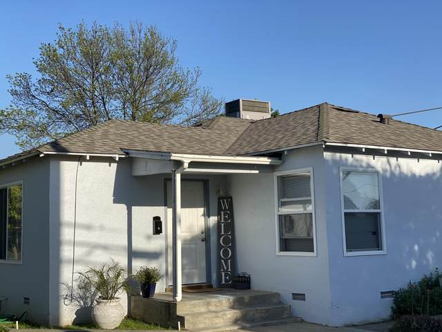 333 W Whitney Avenue, Woodlake, CA 93286 (#210372) :: Your Fresno Realty | RE/MAX Gold