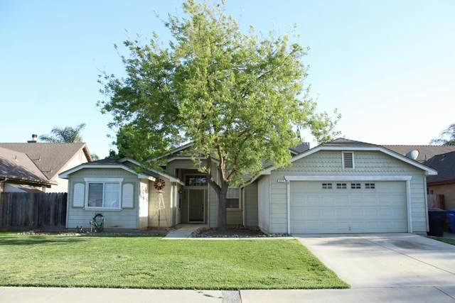 577 Saffron Street, Hanford, CA 93230 (#210381) :: Robyn Icenhower & Associates