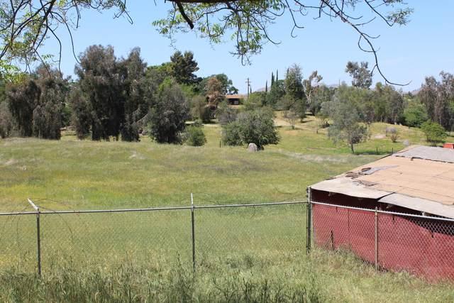 32887 Pleasant Oak, Springville, CA 93265 (#210390) :: Martinez Team