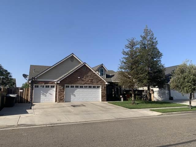 2768 Swanson Meadows Avenue, Tulare, CA 93274 (#210402) :: Martinez Team