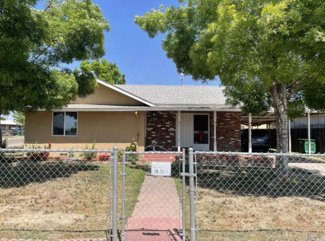 1192 W Roby Avenue, Porterville, CA 93257 (#210413) :: Robyn Icenhower & Associates