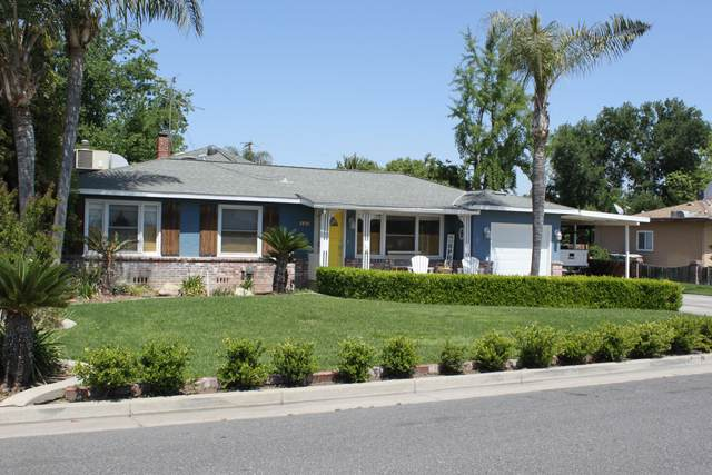 244 W Lois Avenue, Tulare, CA 93274 (#210416) :: Martinez Team