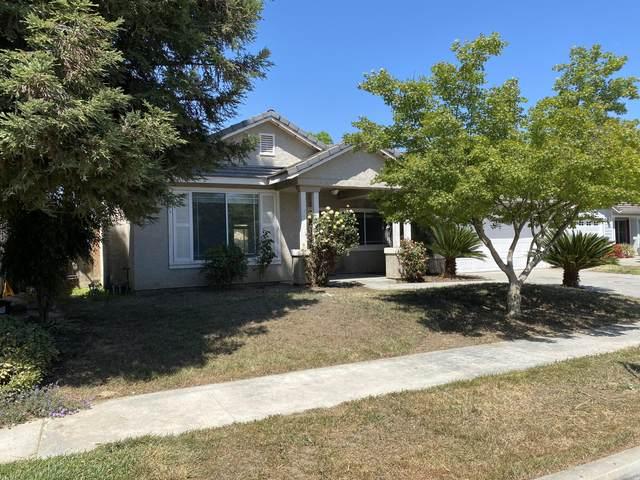 4136 W Concord Avenue, Visalia, CA 93277 (#210436) :: Martinez Team