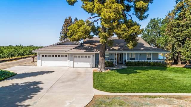 2622 W Prosperity Avenue, Tulare, CA 93274 (#210441) :: Martinez Team