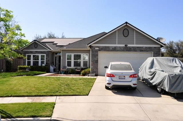 701 Descanso Bay Street, Tulare, CA 93274 (#210451) :: Martinez Team