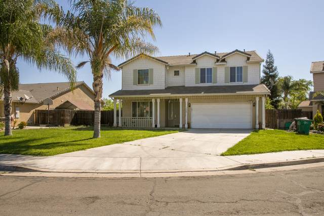 1028 N Oxford Place, Porterville, CA 93257 (#210471) :: Martinez Team