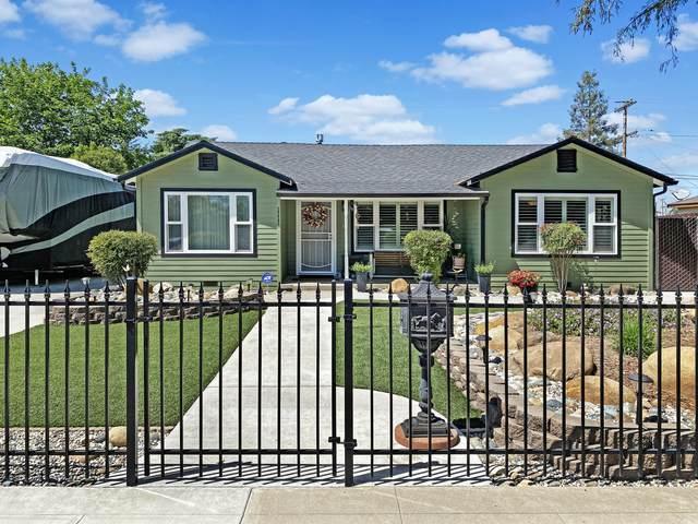 1111 N Stevenson Street, Visalia, CA 93291 (#210490) :: Your Fresno Realty | RE/MAX Gold