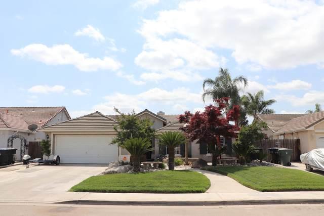 5537 W Sunnyside Court, Visalia, CA 93277 (#210524) :: Robyn Icenhower & Associates