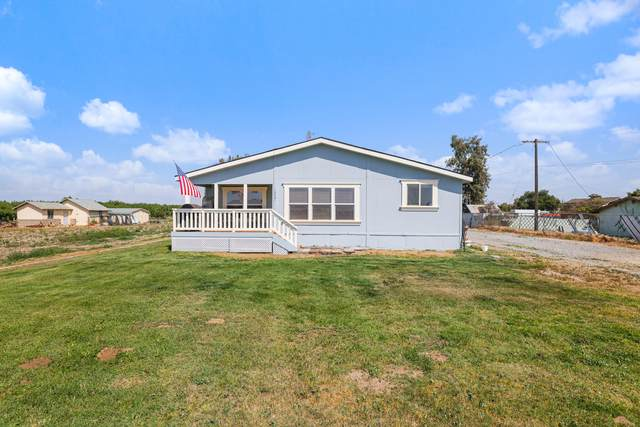 13531 17th Avenue, Lemoore, CA 93245 (#210572) :: Your Fresno Realty | RE/MAX Gold