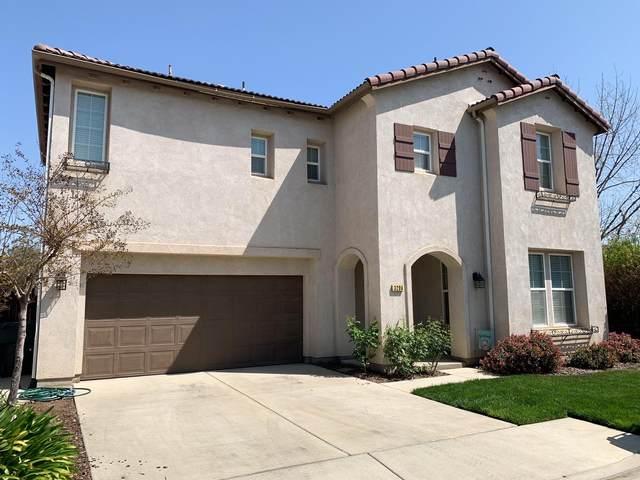 3204 N Kayenta Street, Visalia, CA 93291 (#210797) :: Robyn Icenhower & Associates