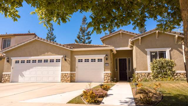 4204 W Elowin Court, Visalia, CA 93291 (#210802) :: The Jillian Bos Team