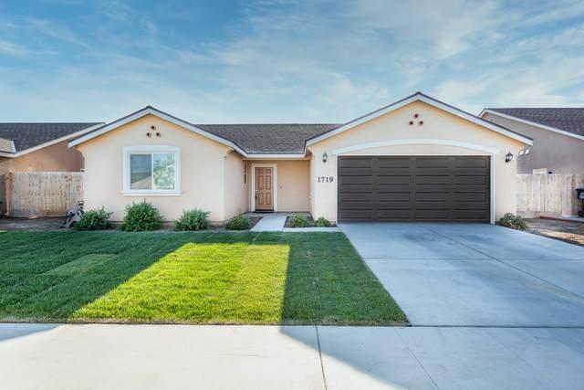 1719 N Irma Street, Visalia, CA 93292 (#210896) :: Your Fresno Realty   RE/MAX Gold