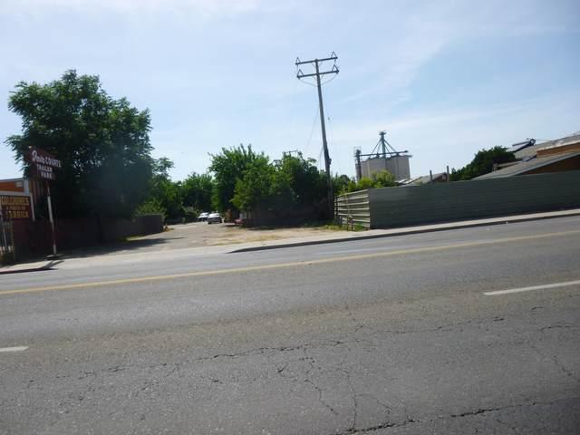 715 S K Street, Tulare, CA 93274 (#210903) :: Martinez Team